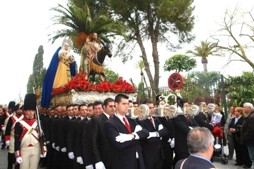 Regimiento_Suizo_Reding_escolta_honor_procesion_Pollinica_2013