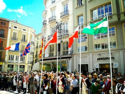 Izado_banderas_acto_homenaje_Reding_acto_Paz_1808_1813_2013_Malaga_autor_Juan_Antonio_Solis