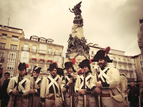 Monumento_batalla_Vitoria_1813_2013