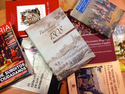 Biblioteca_historia_cultura_militar_Asociacion_Teodoro_Reding_Malaga_centro_ciudadano_Teatinos_libros