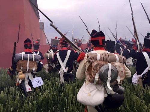 Ataque a Hougomont - Luis Sorando