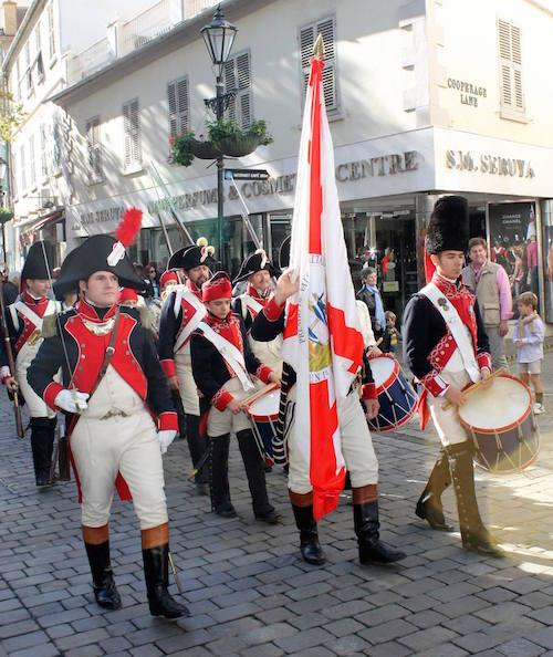 Asociacion_Historico_Cultural_Teodoro_Reding_Malaga_desfile_por_las_calles_de_Gibraltar_Regimiento_Suizo_de_Reding_numero_3.jpg